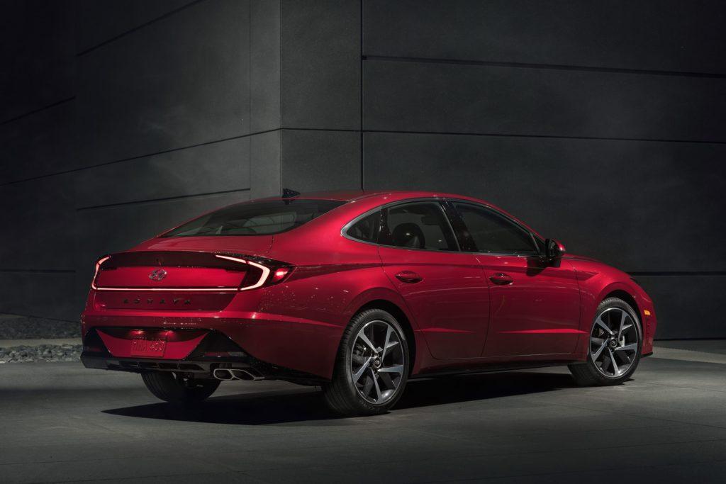 Hyundai Sonata 2020 сзади